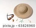 夏のイメージ ビーチ 砂浜 海水浴 ホリデー レジャー 63826960