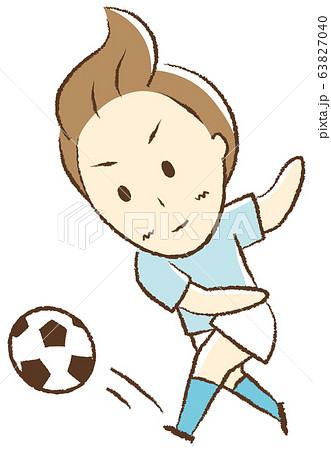 サッカーをする少年 シュート 63827040