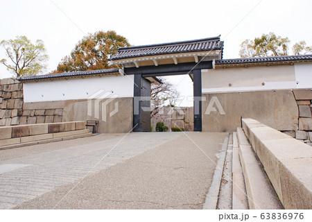 大阪城・桜門 63836976