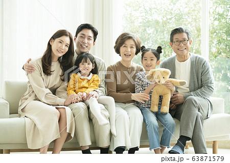 가족,남녀,대가족 63871579