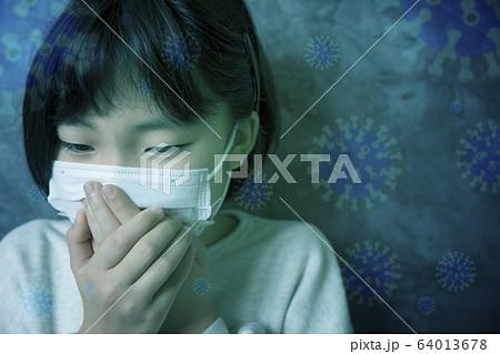 マスク姿の小学生 感染症イメージ 64013678