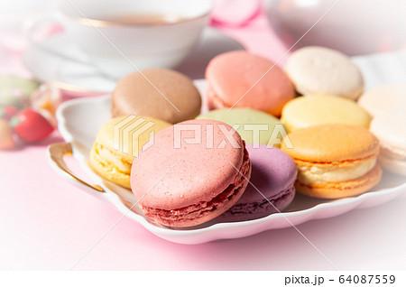 ティータイム マカロン 紅茶 洋菓子 お菓子 おうちカフェ 家カフェ 64087559