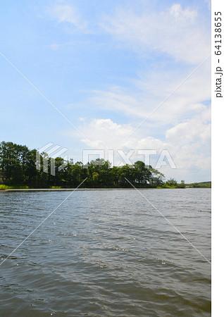 塘路湖(釧路湿原国立公園・北海道川上郡標茶町) 64138655