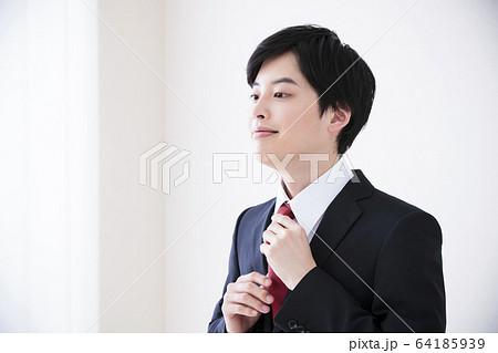 ビューティー 男性 スキンケア ビジネスマン 美容 64185939