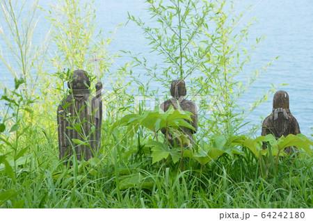 崖にたたずむ石像(原城跡/長崎県南島原市南有馬町乙) 64242180