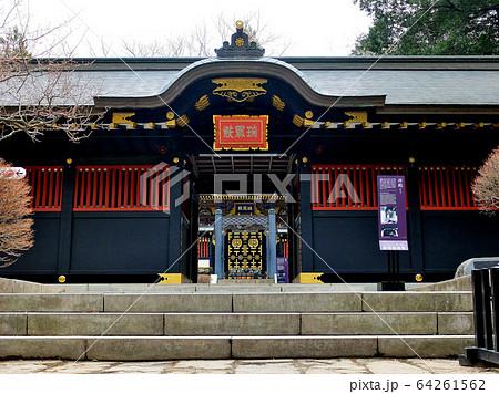瑞鳳殿・安土桃山の時を感じさせる豪華な拝殿の入口の眺め(4) 64261562