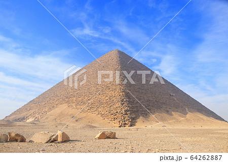 ピラミッド 64262887