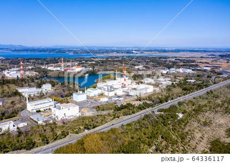 高速増殖炉 常陽と涸沼(茨城県大洗町) 64336117