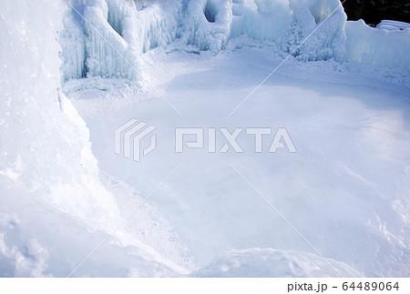 スケートリンク 支笏湖氷濤まつり 北海道冬の観光 64489064