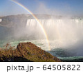 カナダ側から見たナイアガラ瀑布 64505822