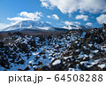 雪の浅間山 64508288