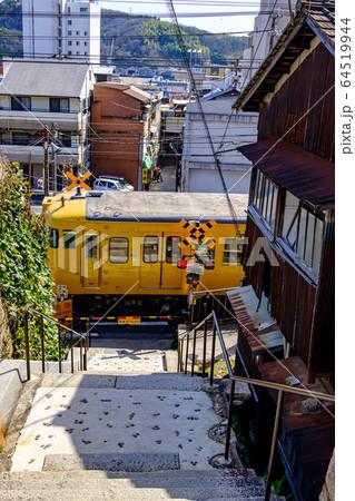 広島・尾道・千光寺に上る道の踏切 64519944