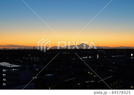 千葉県鎌ケ谷市役所屋上からの夜景 64578325