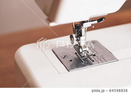 家庭用ミシン 自然光 a-5 暖色マット仕上げ 64598836