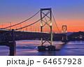 大鳴門橋の夕景 64657928