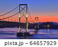 大鳴門橋の夕景 64657929