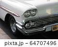 レトロなアメリカの車 64707496