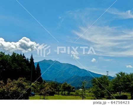 山と空 64756423