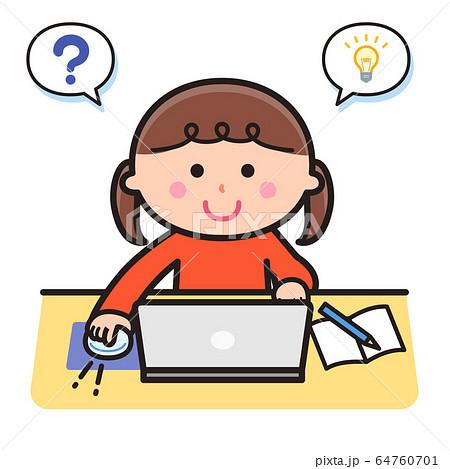 パソコンを使って勉強する女の子 64760701
