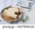 フルーツサンド バナナ 64769410