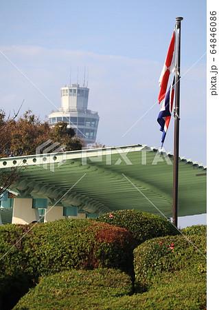 港の見える丘公園と信号旗 64846086