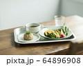 料理 玄米 野菜 64896908