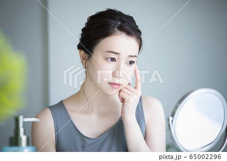 女性 美容 ビューティー 悩み 65002296
