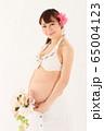 妊娠9ヶ月の妊婦さん 65004123