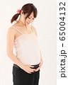 妊娠9ヶ月の妊婦さん 65004132