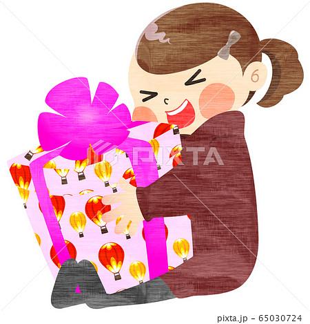 誕生日プレゼントにはしゃぐ女の子 - 冬・手描き風 65030724
