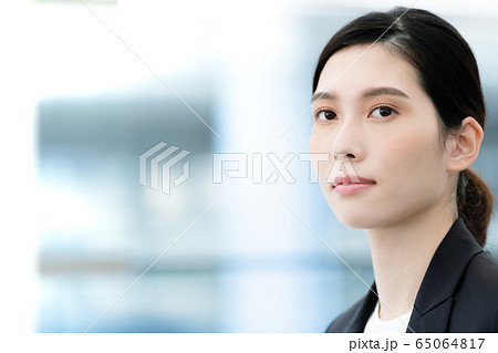 女性 ビジネス ポートレート 65064817