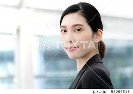 女性 ビジネス ポートレート 65064818