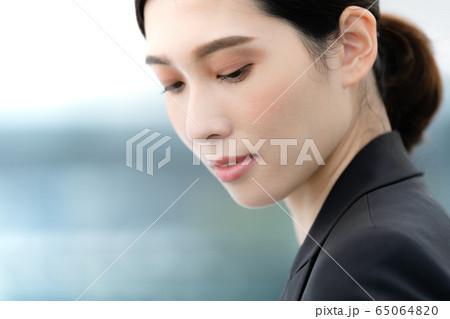 女性 ビジネス ポートレート 65064820