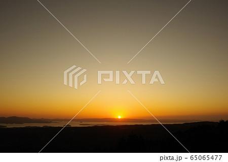 大村湾の夕景2 65065477