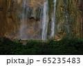 滝と虹 65235483