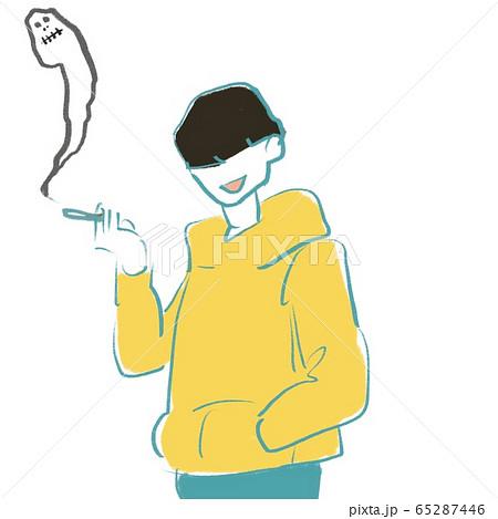 タバコを吸うパーカーを着た若い男性2 65287446