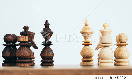 Business leader and battle concept with chess 65304186