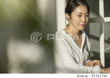 女性 女 女の子 65312798