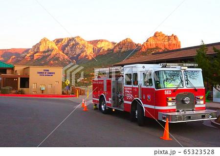 【アリゾナ州】セドナのアメリカの消防車 65323528