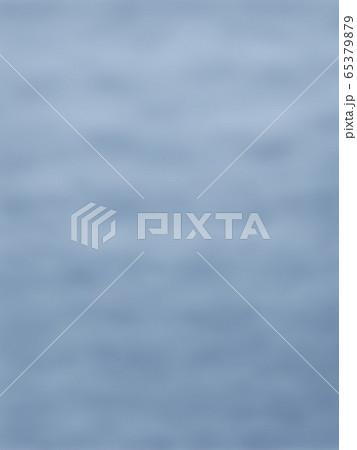 どんより曇り空・縦長 65379879