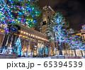 イルミネーションでライトアップされたJR札幌駅 65394539