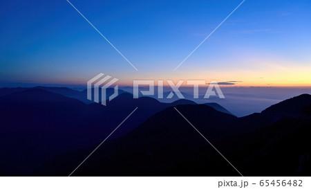 伊吹山で見た見た夜明け直前の情景@滋賀 65456482