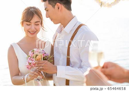 ロマンチックなリゾートウェディング 65464658