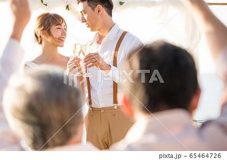 ロマンチックなリゾートウェディング 65464726