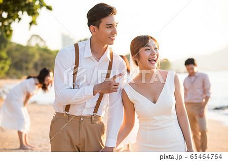 ロマンチックなリゾートウェディング 65464764