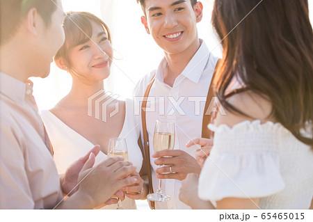 ロマンチックなリゾートウェディング 65465015