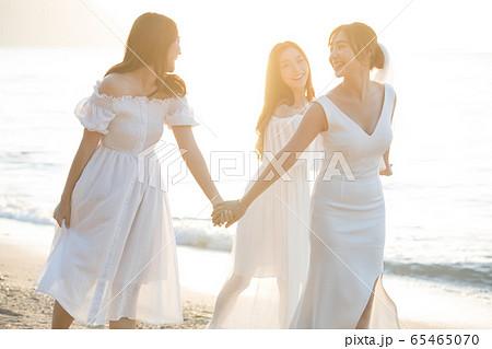ロマンチックなリゾートウェディング 65465070