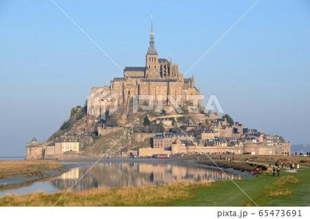 フランス、モンサンミシェル全景 65473691