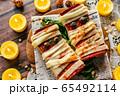 ハロウィン 料理 食事 ピザトースト 65492114