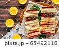 ハロウィン 料理 食事 ピザトースト 65492116